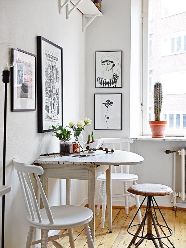Decor vintage dining alb cu masa reconditionata