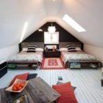 Dormitor alb negru pentru copii cu dusumea
