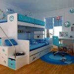 Dormitor pentru baieti alb cu albastru cu paturi suprapuse