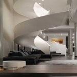 Scara moderna cu balustrada plina