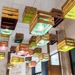 Abajur din cutii din lemn in stil industrial