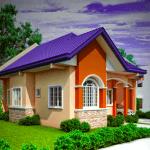 Casa colorata cu acoperis albastru