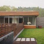 Gard din lemn cu sipci verticale si orizontale