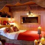 Dormitor rustic cu decoratiuni romantice