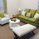Canapea verde pentru living mic