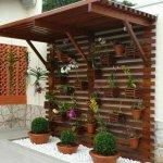 Gradina verticala din lemn acoperita