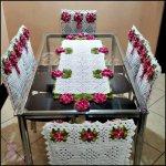 Fata de masa si huse pentru scaun cu trandafiri