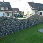 Gard ondulat din gabioane
