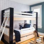 Pat etajat alb negru cu scara din lemn