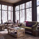 Living si dining rustic cu ferestre mari