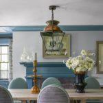 Dining clasic cu profile decorative albastre din lemn