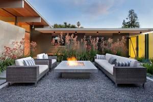 Relaxare in jurul focului